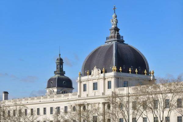 Grand Hôtel-Dieu, façade côté Rhône © Vincent Ramet