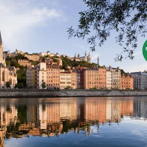 2021 le guide vert Michelin *** Photo : Les quais de Saône © Tristan Deschamps